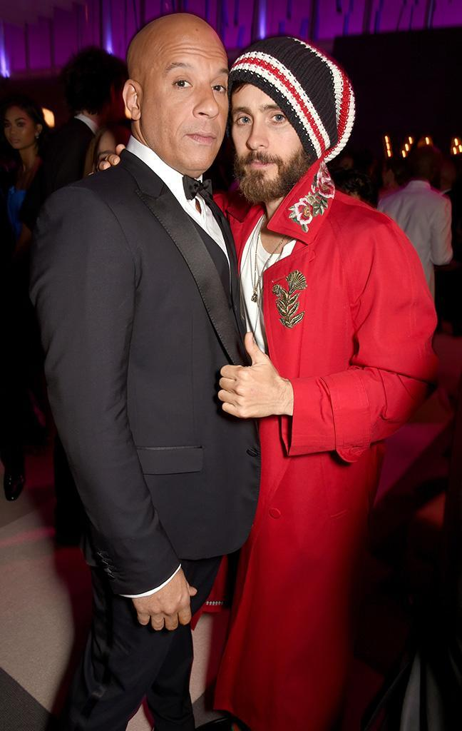 <p>Well, here's an unusual pair at the Vanity Fair party, but we won't question it. Besides, if the uniquely styled Jared Leto gives the situation a thumbs up, it's cool, man. (Photo: Dave M. Benett/VF17/WireImage) </p>