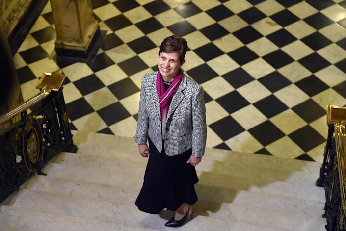 Reverend Libby Lane poses for pictures following the announcement naming her the first woman bishop of the Church of England, in Stockport, northwest England, on December 17, 2014 (AFP Photo/Paul Ellis)