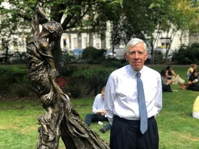 Jack Straw, International Ambassador for Justice for Lai Dai Han and former UK Foreign Secretary, attended the unveiling of the 'Mother and Child' sculpture to the public.