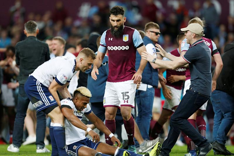 Defensive shield: Mile Jedinak: REUTERS