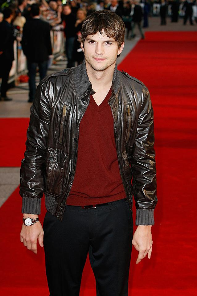 """Although Ashton Kutcher doesn't seem to know what to do with his man bangs at the London premiere of his new flick, """"What Happens in Vegas,"""" there are several different ways to pull off the trendy style. Eamonn McCormack/<a href=""""http://www.wireimage.com"""" target=""""new"""">WireImage.com</a> - April 22, 2008"""