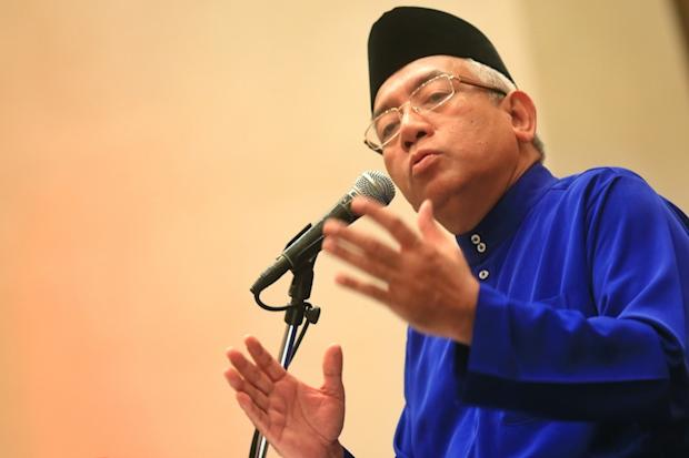 Mahdzir said changes to the Education Act 1996 (Act 550) would enable action to be taken against tahfiz schools more effectively through collaboration with the federal and state governments. — Picture by Saw Siow Feng