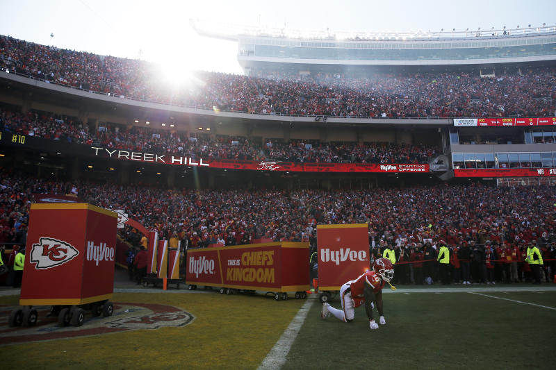 KANSAS CITY, MISSOURI - JANUARY 19: Tyreek Hill #10 of the Kansas City Chiefs takes the field before the AFC Championship Game against the Tennessee Titans at Arrowhead Stadium on January 19, 2020 in Kansas City, Missouri. (Photo by David Eulitt/Getty Images)