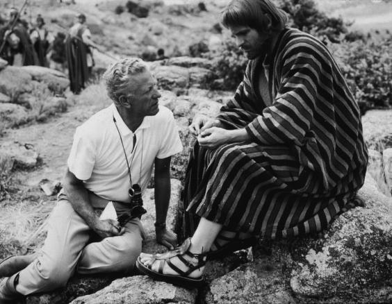 Director Nicholas Ray, and Torn as Judas Iscariot, during the filming of 'King of Kings' in 1961 (Getty)
