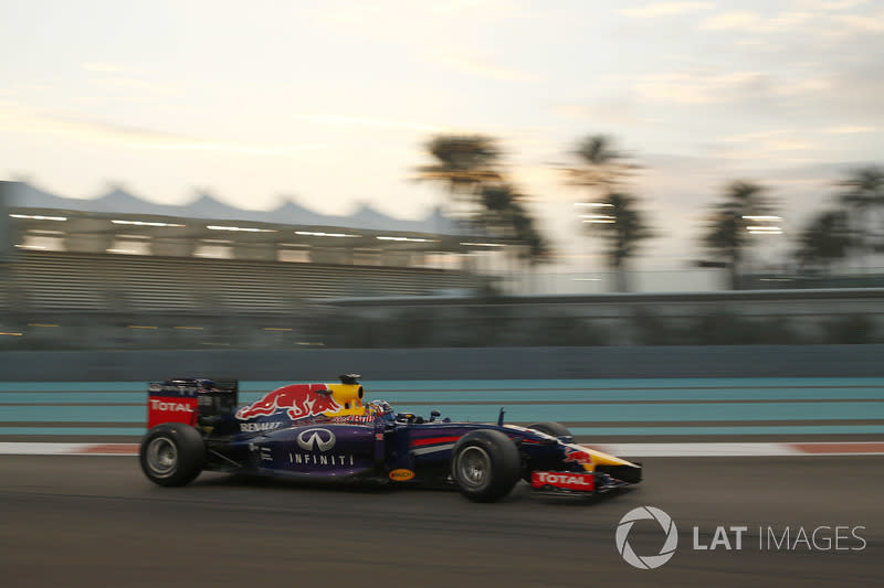 "2014: Red Bull Racing RB10 (Test)<span class=""copyright"">Sam Bloxham / Motorsport Images</span>"