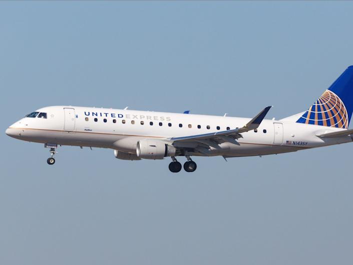 United Airlines Embraer E175