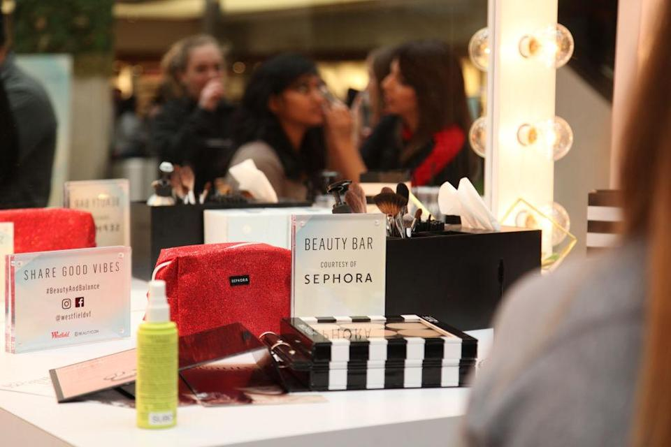 Sephora now offers free beauty workshops for people undergoing cancer treatments. (Photo: Getty)