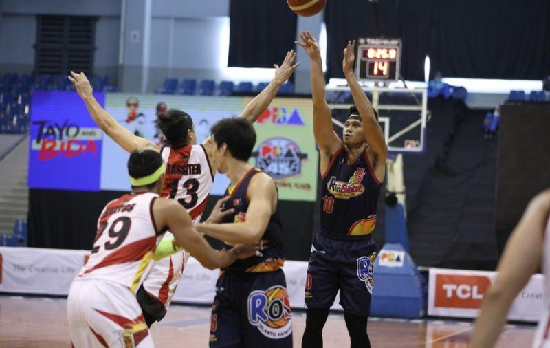 Rain or Shine trips San Miguel in Philippine Cup