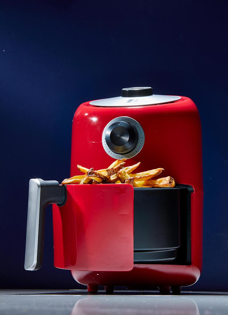 Dial Air Fryer with French Fries