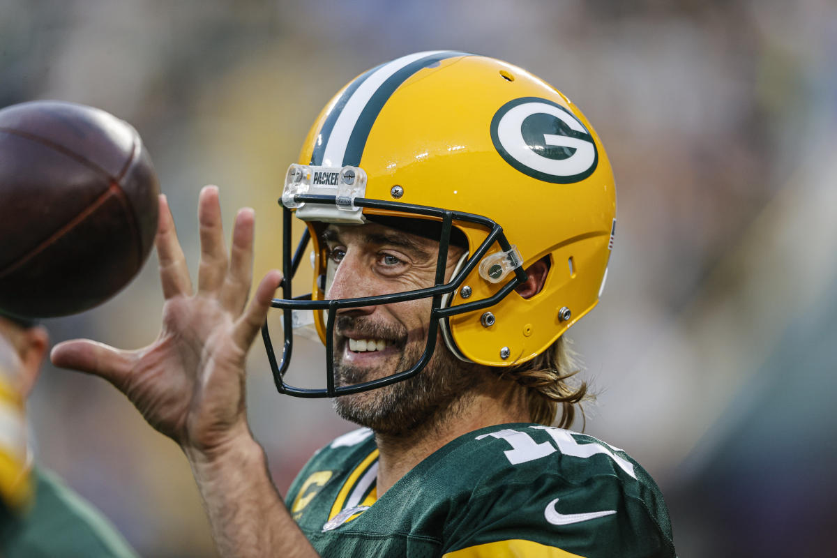 After a week of steep criticism Aaron Rodgers eviscerated his 'chickensh—' detractors – Yahoo Sports