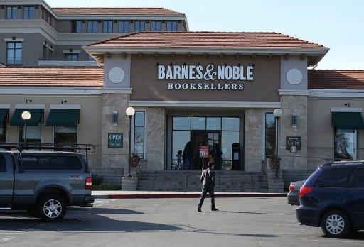 Barnes & Noble founder seeks to buy retail business