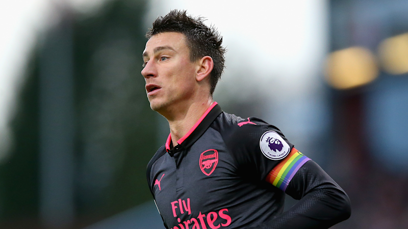Koscielny the 'perfect captain' for Arsenal, says Leno