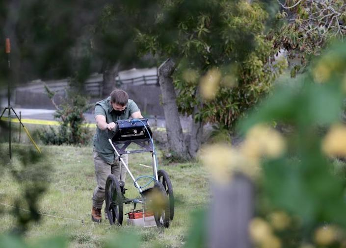 San Luis Obispo Sheriff uses a ground penetrating radar to search for the body of Kristen Smart in the backyard of Ruben Flores.
