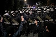 Police block a street near the house of Law and Justice leader Jaroslaw Kaczynski during a protest against imposing further restrictions on abortion law in Warsaw, Poland October 23, 2020. Jedrzej Nowicki/Agencja Gazeta via REUTERS ATTENTION EDITORS - THIS IMAGE WAS PROVIDED BY A THIRD PARTY. POLAND OUT. NO COMMERCIAL OR EDITORIAL SALES IN POLAND. TPX IMAGES OF THE DAY