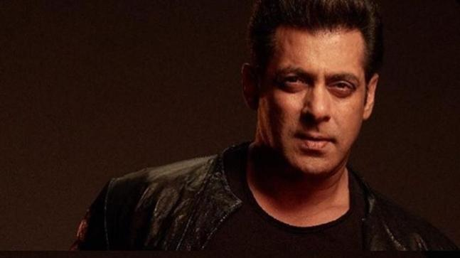 Salman Khan gives a sneak-peek into the world of Bharat on Independence Day.