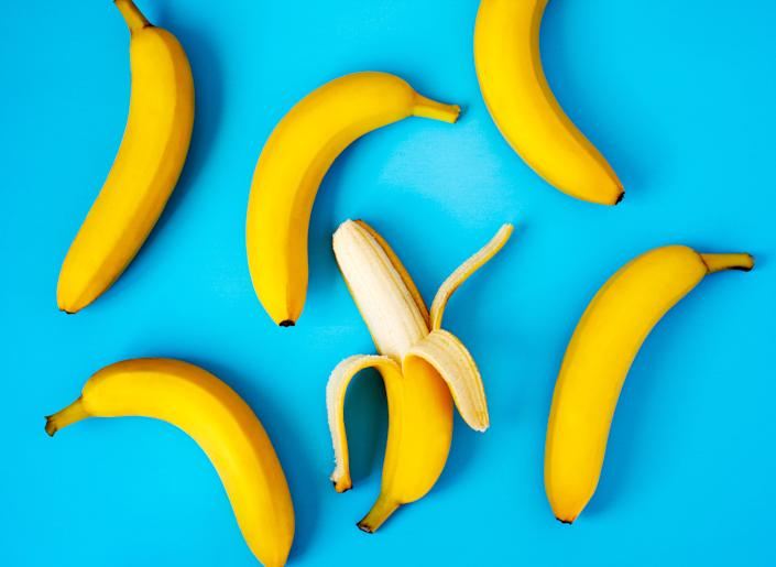 Many bananas in modern grocery stores are larger than the standard serving size. (Photo: Anjelika Gretskaia via Getty Images)