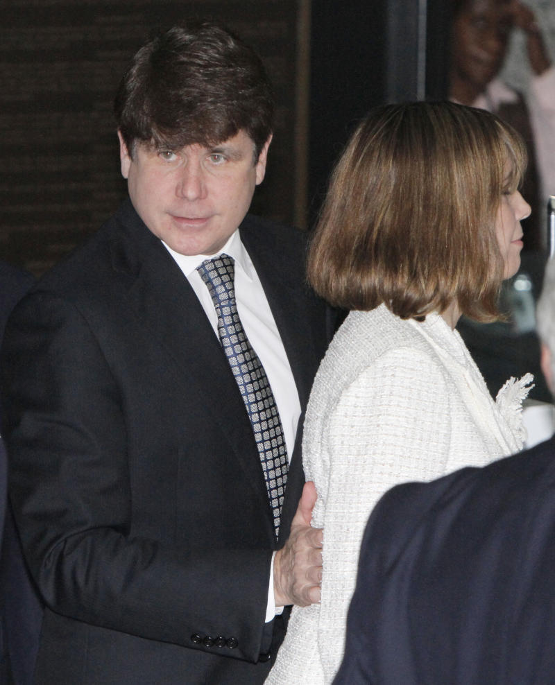Former Illinois Gov. Rod Blagojevich arrives at the Federal courthouse with his wife Patti Monday, June 27, 2011 in Chicago after jurors informed the judge that they had reached agreement on 18 of the 20 counts against him.  (AP Photo/M. Spencer Green)