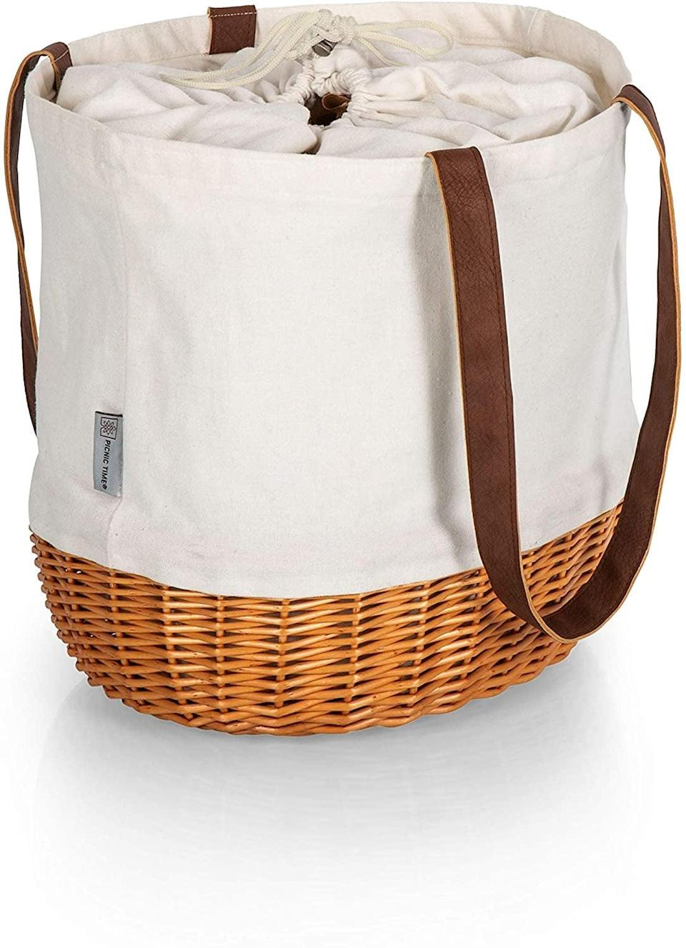 <p>If you have somewhere to go after, this <span>Picnic Time Willow Tote</span> ($42) will be perfect.</p>