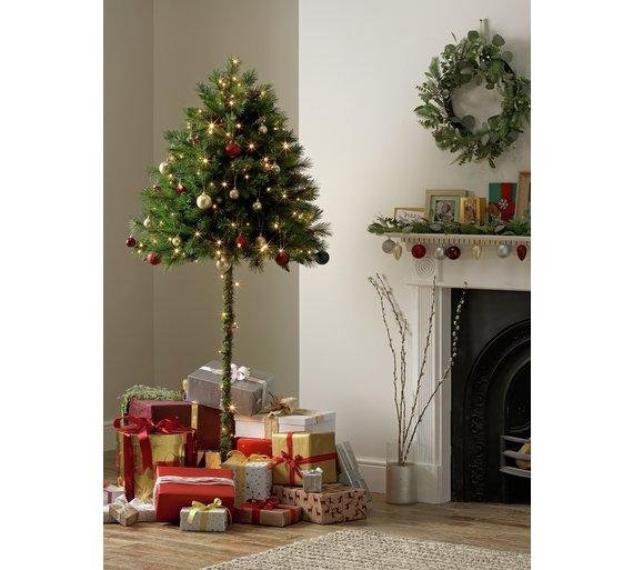 Cat Proof Christmas Tree.Cat And Child Proof Half Christmas Tree Goes On Sale