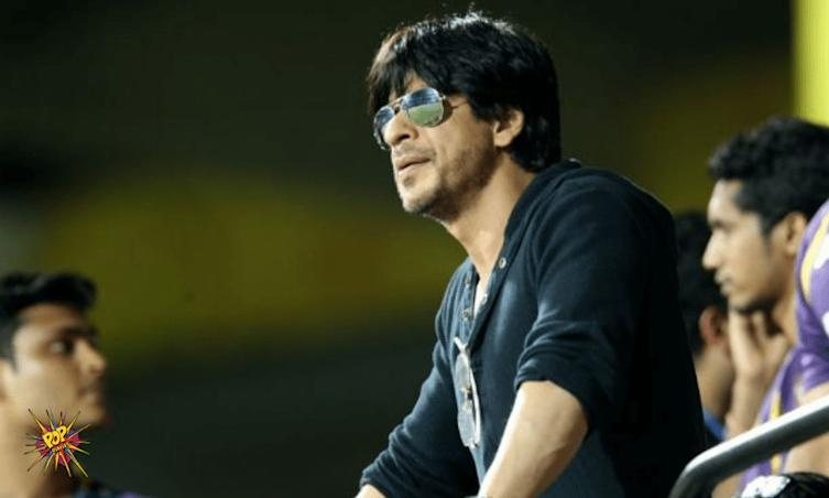 Shah Rukh Khan's Special Gesture For A Special Fan Will Leave You Teary-Eyed!