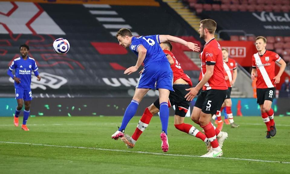Jonny Evans' header earned Leicester a point as they struggled to break down 10-man Southampton.