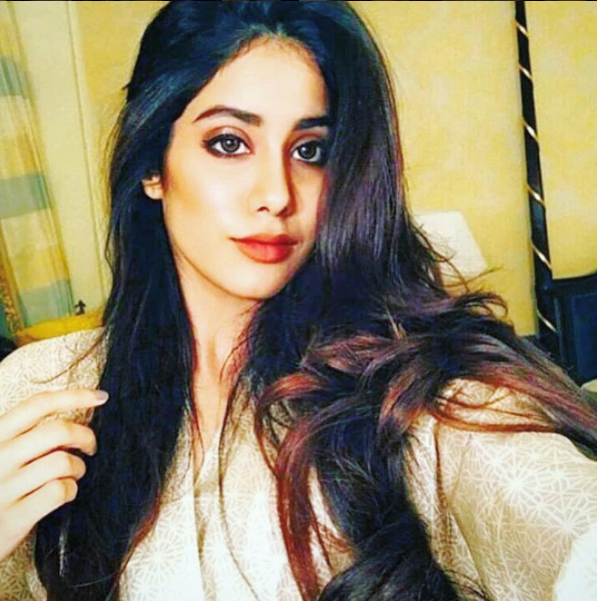 <p>Judging from this selfie, she can easily pass off as Sridevi's doppalganger. </p>