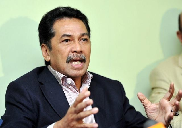 Datuk Ramlee Marahaban said that he was filling the suit against Sargeant Salleh Zakaria and Major Nizam Sazali who had treated him and his relatives in a manner that was derogatory and humiliating during an interrogation. — Bernama pic