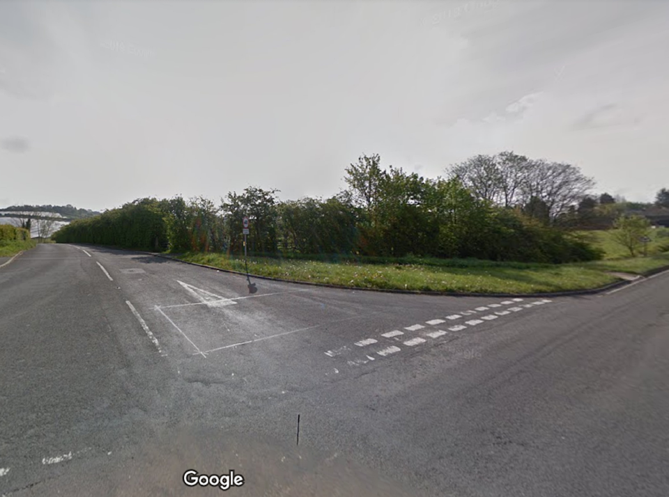 The junction of Staveley Road and Tom Lane in Duckmanton, Derbyshire (Google)