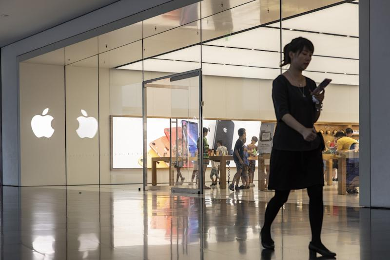 Trump Trade War With China Will Hit Apple for Real This Weekend