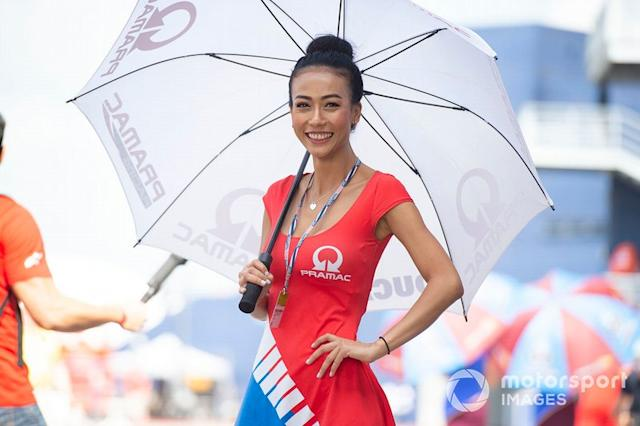 """Grid Girl <span class=""""copyright"""">Gold and Goose / Motorsport Images</span>"""