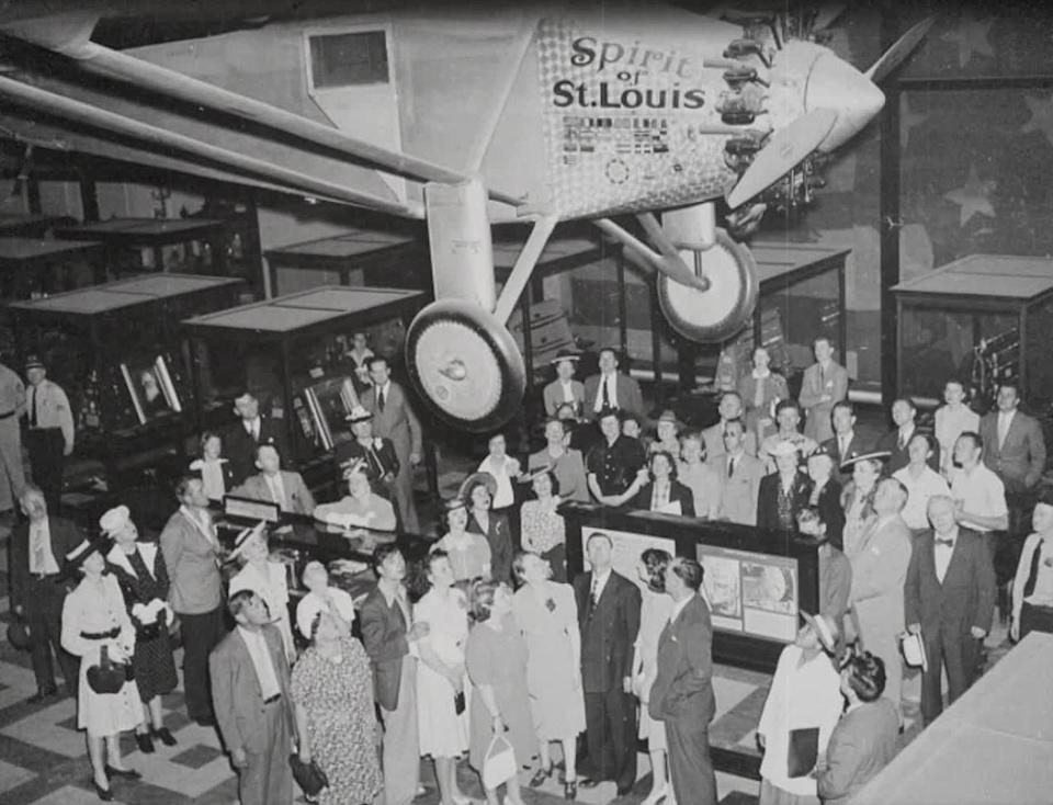 The Spirit of St. Louis was originally displayed inside the Smithsonian's Arts and Industries Building.  / Credit: CBS News