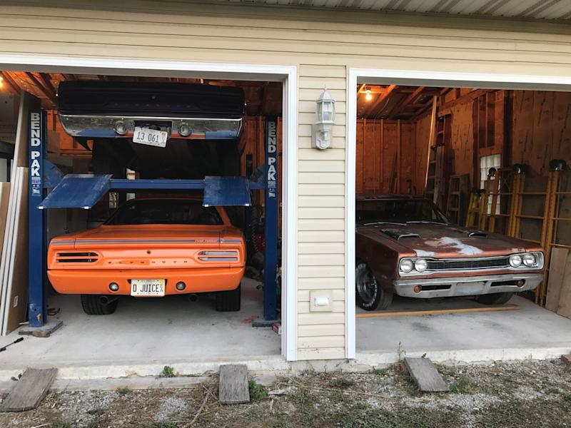 """<img src=""""1969-bee-and-1970-road-runner.jpeg"""" alt=""""1970 Plymouth Road Runner and the 1969 Dodge Super Bee"""">"""