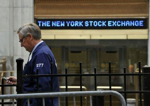 US stocks dive after Obama win; Dow loses 2.4%