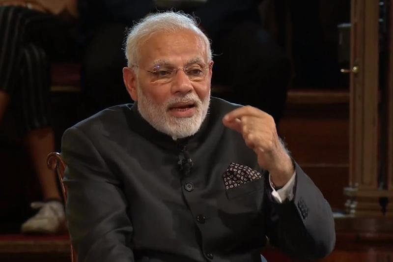 When PM Modi's London Speech Brought Back Memories of American Musician Neil Diamond