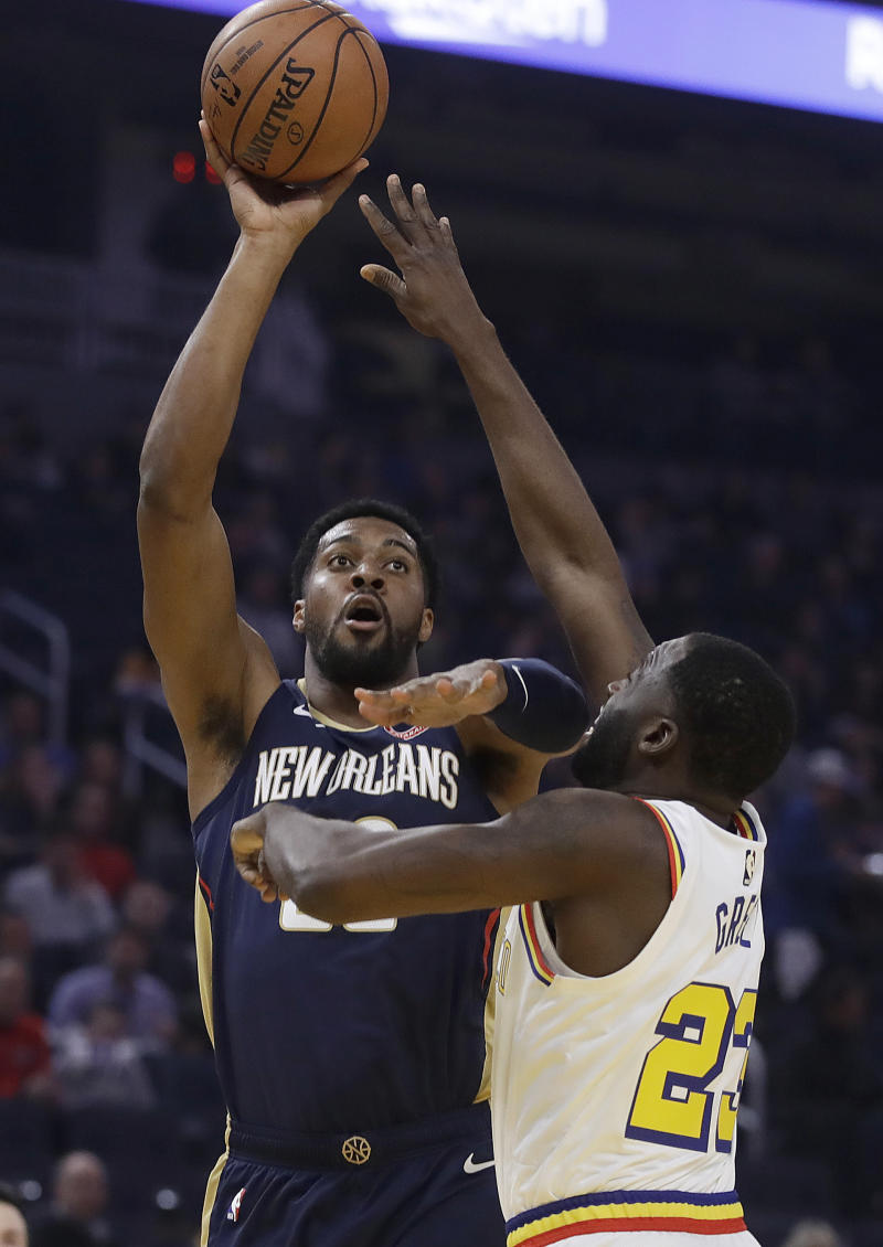 Warriors beat Pelicans 106-102 after blowing 20-point lead