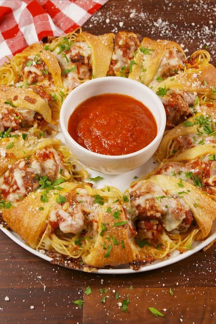 "<p>You've never seen spaghetti and meatballs quite like this before.</p><p>Get the recipe from <a href=""https://www.delish.com/cooking/recipe-ideas/recipes/a57732/spaghetti-meatball-ring-recipe/"" rel=""nofollow noopener"" target=""_blank"" data-ylk=""slk:Delish"" class=""link rapid-noclick-resp"">Delish</a>. </p>"