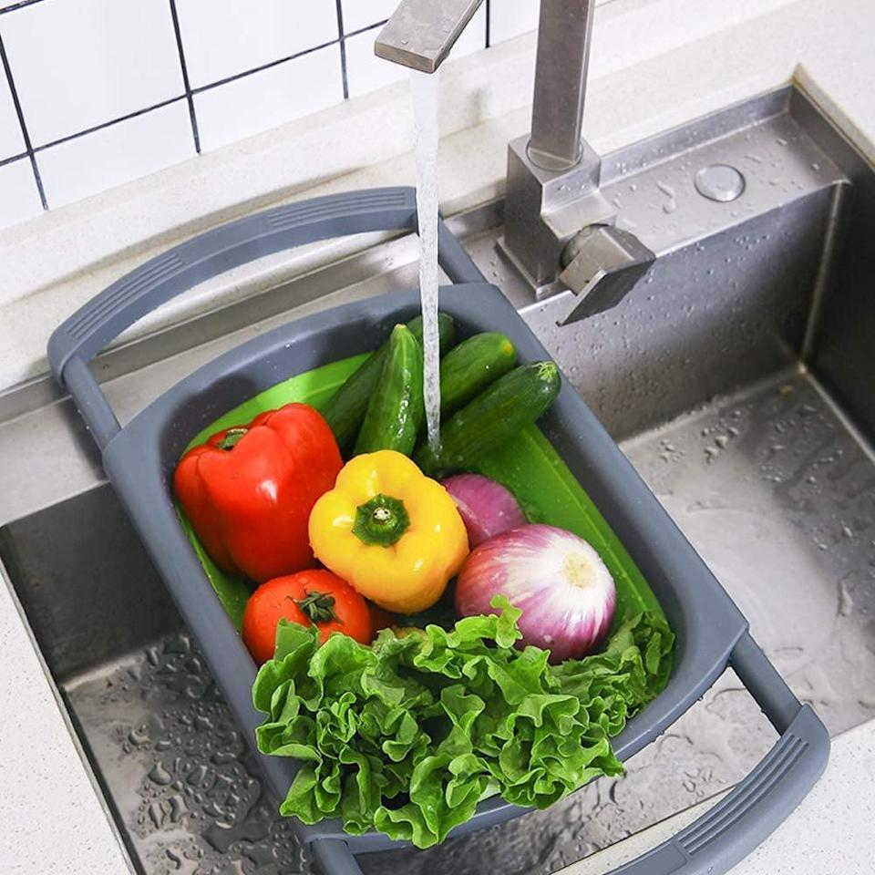 <p>This <span>Kitchen Collapsible Colander</span> ($17) comes in several sizes and colors.</p>