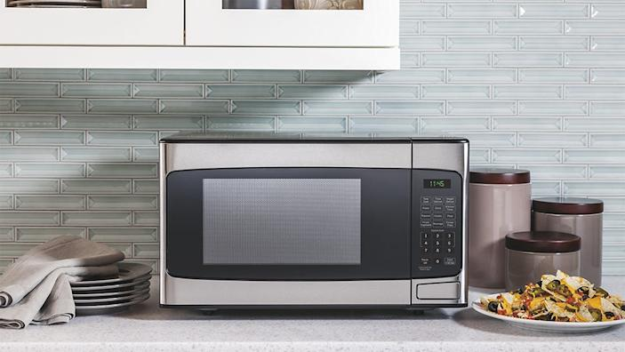 You can score some of our favorite countertop microwaves on sale right now.