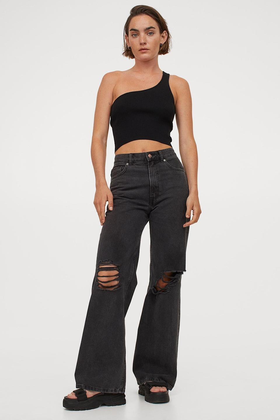 <p>We're loving the wide-leg, ripped jeans look right now. These <span>H&amp;M Wide High Jeans</span> ($35) look greta with a cropped top.</p>