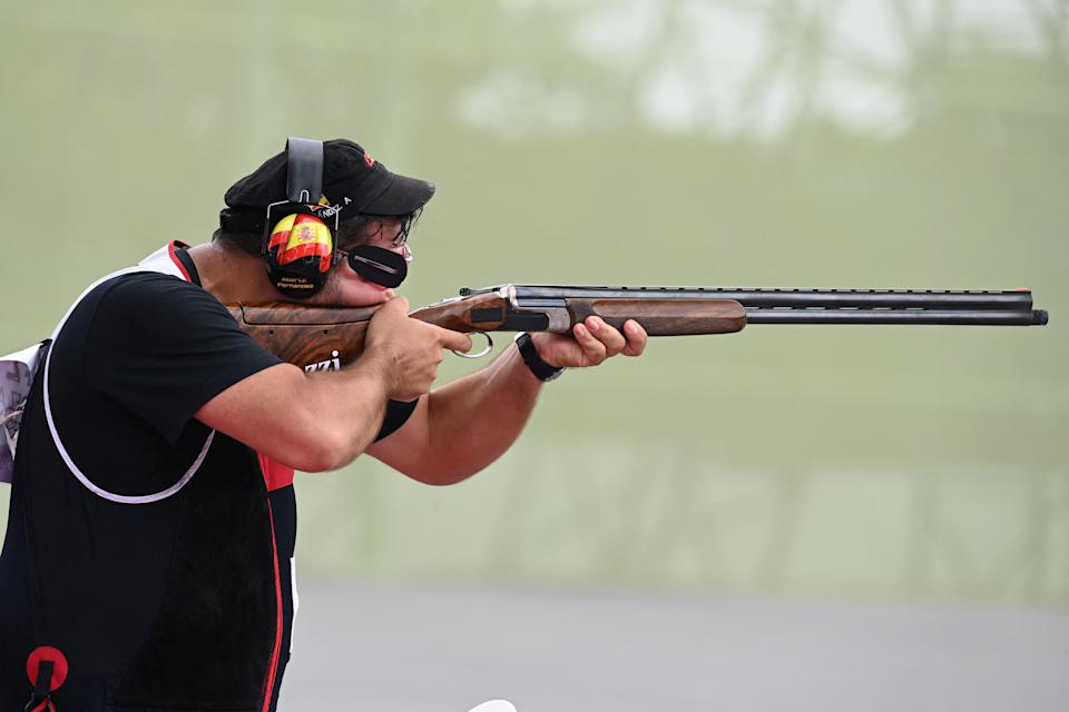 Spain's Alberto Fernandez competes in the men's trap qualification during the Tokyo 2020 Olympic Games at the Asaka Shooting Range in the Nerima district of Tokyo on July 28, 2021. (Photo by Tauseef MUSTAFA / AFP) (Photo by TAUSEEF MUSTAFA/AFP via Getty Images)