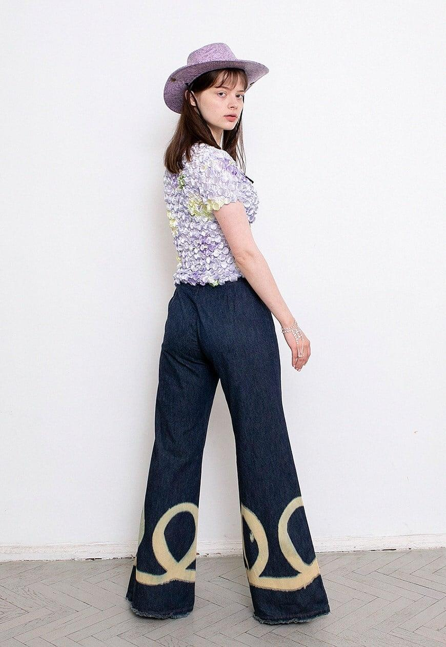 <p>For a cowgirl aesthetic with extra flair, shop these <span>Vintage Miss Sixty Jeans</span> ($86) straight off ASOS Marketplace.</p>