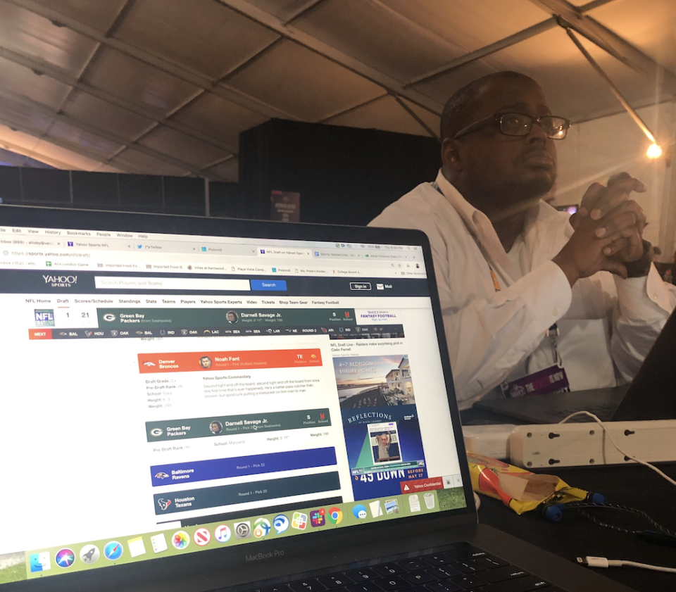 Terez Paylor covering the 2019 NFL draft in Nashville. (Yahoo Sports)