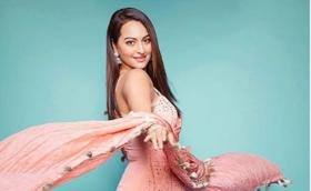 Sonakshi Sinha claps back at troll who calls her 'Salman's chamchi'