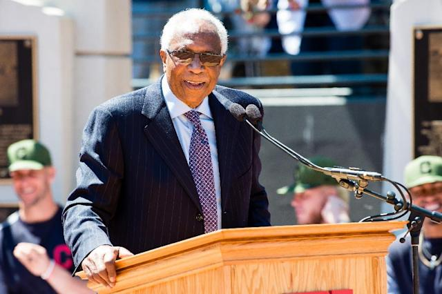 Former Cleveland Indians manager and player Frank Robinson speaks during the unveiling of a new statue commemorating his career prior to a game between the Indians and the Kansas City Royals on May 27, 2017 (AFP Photo/Jason Miller)