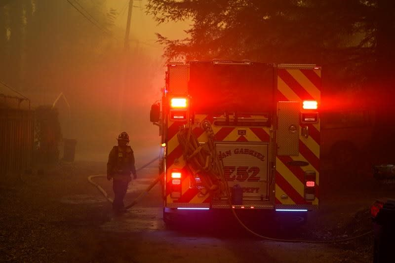 60 firefighters from Quebec currently in California to help battle wildfires