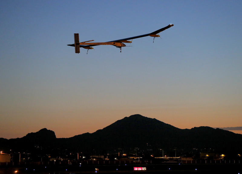 Solar plane completes 2nd leg of trip in Texas