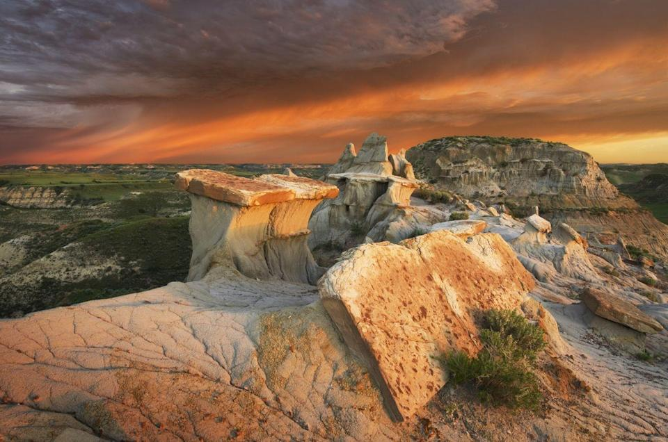 <p>An avid fan of the National Park system, Theodore Roosevelt visited this park in the late 1800s to hunt bison and now this rugged landscape is named for him. </p>