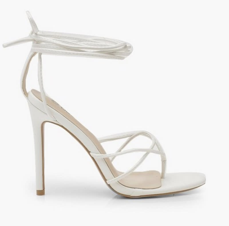 boohoo, white sandals, wrap