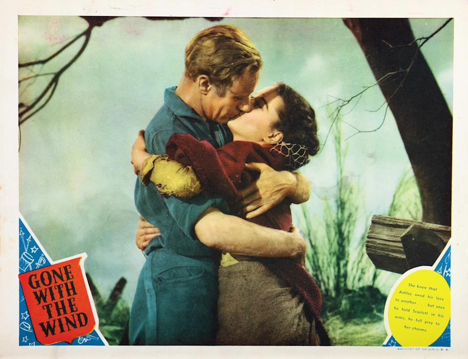 Gone With The Wind, lobbycard, from left: Leslie Howard, Vivien Leigh, 1939. (Photo by LMPC via Getty Images)