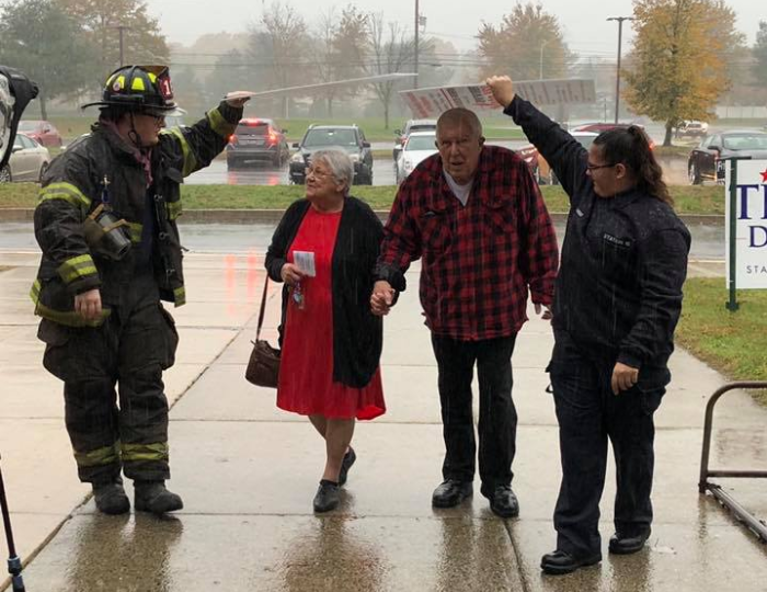A viral photo shows a sweet moment at a polling place in Pennsylvania. (Photo: Cornwells Fire Company)